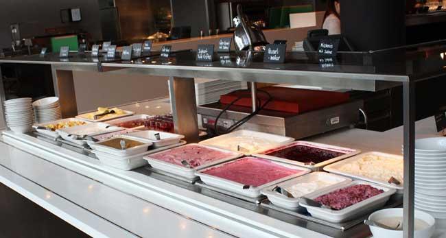 Frühstück in Autostadt Foto: Axel Noack