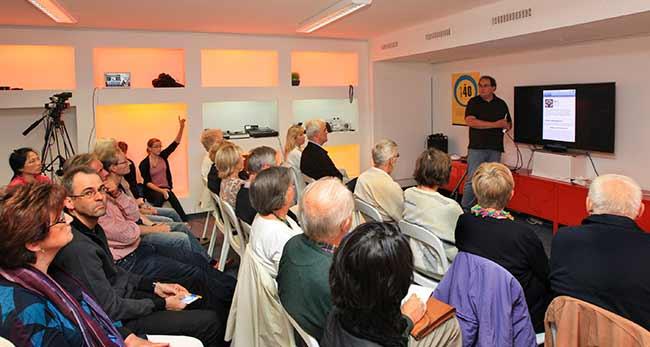 Christian Cordes, einer der kreativsten Köpfe der Region Wolfsburg bei der Smartphone Schulung