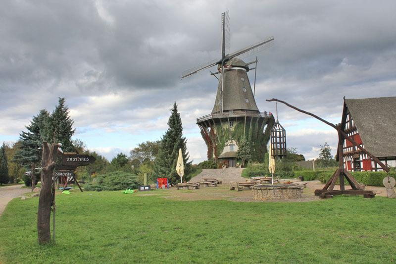 Das Mühlenmuseum in Gifhorn bietet neben historischen Mühlen auch Köstlichkeiten und Räumlichkeiten für private und geschäftliche Feiern an
