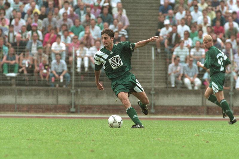 Siggi Reich im Dress des VfL Wolfsburg