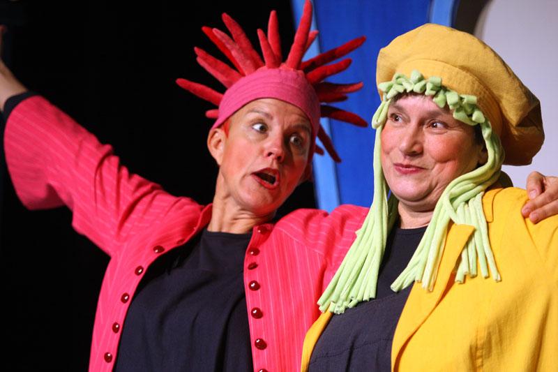 Wolfsburger Figurentheater sind Brigitte van Lindt und Andrea Haupt