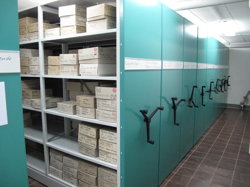 Das Archiv des Instituts für Zeitgeschichte und Stadtprävention in Wolfsburg