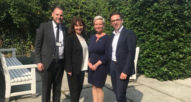 Matthias Schenk, Martina Stamm-Fibich, Katharina Barrenscheen, Falko Mohrs (v.l.) / Foto: Wirtschaftsjunioren Gifhorn-Wolfsburg