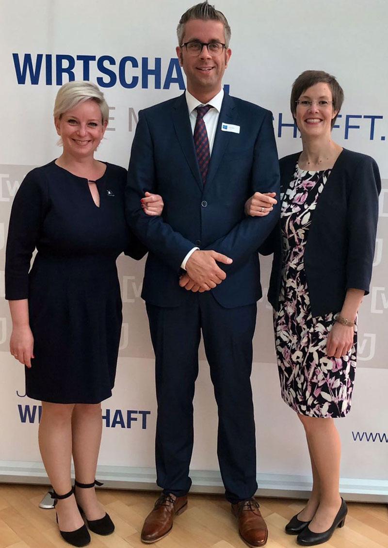 Katharina Barrenscheen, Simon Möller, Anke Köllmann-Gutjahr (v.l.) / Foto: Wirtschaftsjunioren Gifhorn-Wolfsburg
