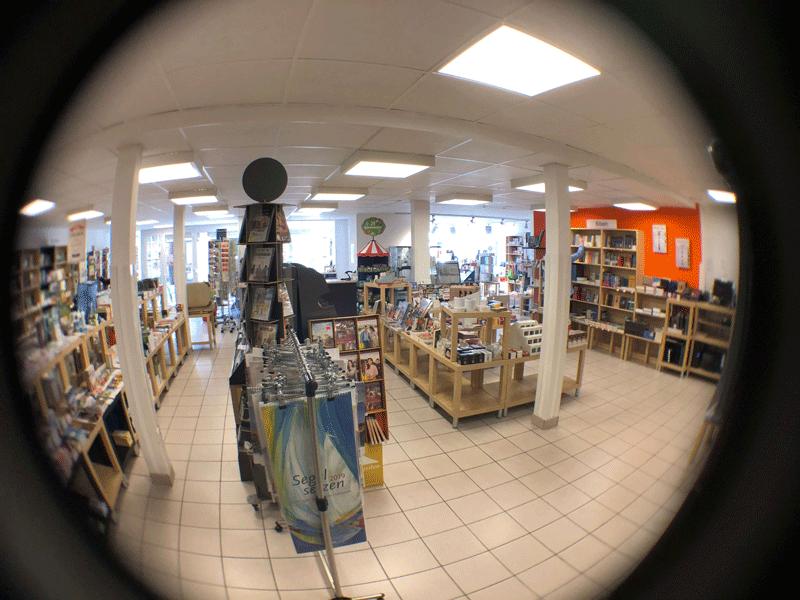 FLOW WOLF besucht die Buchhandlung König in Fallersleben
