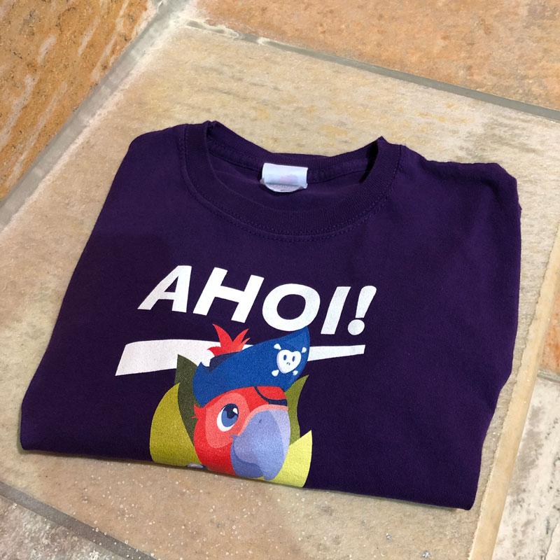 Das coole Piraten-Shirt erhält jedes Club-Mitglied / Foto: FLOW WOLF