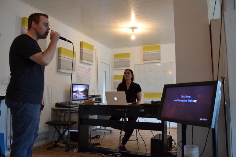 Hier beginnt die gemeinsame Reise zwischen Vocal Coach und Gesangsschüler / Foto: FLOW WOLF