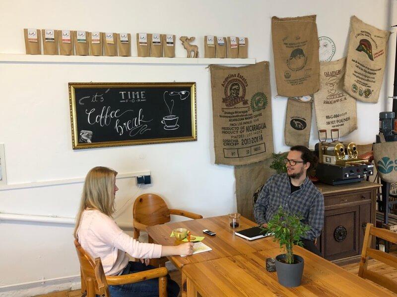 Im Amsel Kaffee gibt es mehr als guten Kaffee / Foto: FLOW WOLF