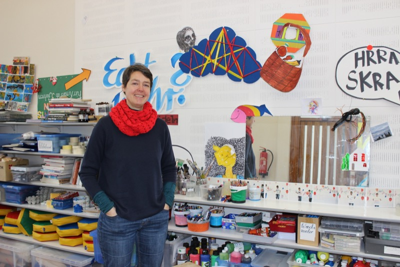 Carolin Heidloff ist Verantwortliche der Kreativwerkstätten. /Foto: FLOWWOLF