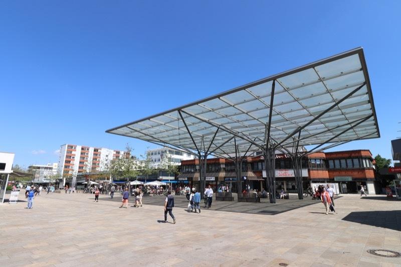 Lokal handeln auf dem Hugo-Bork-Platz auf der Porschestraße in Wolfsburg