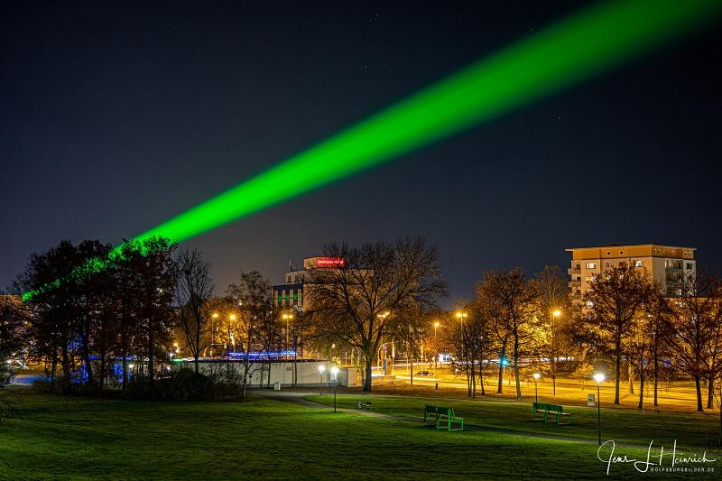 Laserstrahl über Wolfsburg